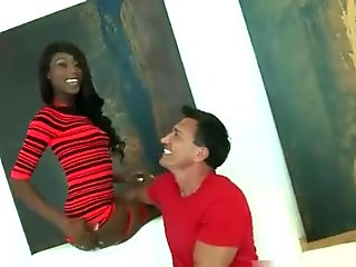 Awesome ebony girl shows her awesome