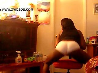 Black Babe Twerking In Panties - spankbang.org