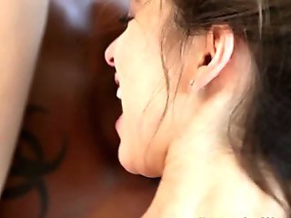 Cumswallowing BBC lover gets pleased