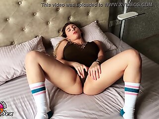 Busty Blonde Masturbate Pussy after Waking Up and Cum