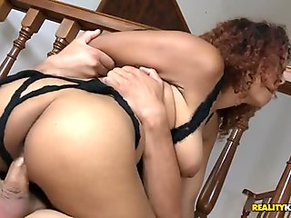 Bootylicious darksome babe endures sexy sex